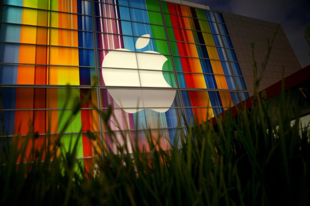 Share sales continue with Apple, Google, Amazon, Facebook